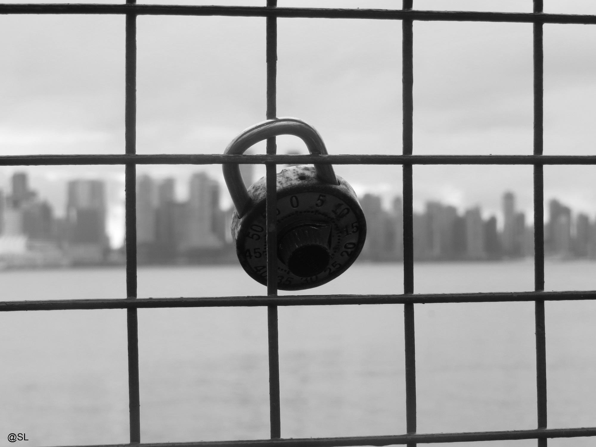 Lock in black
